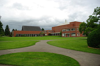 English: Quad at Willamette University